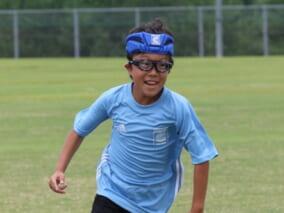 視力が低い方におすすめのサッカー用具「スポーツゴーグル」